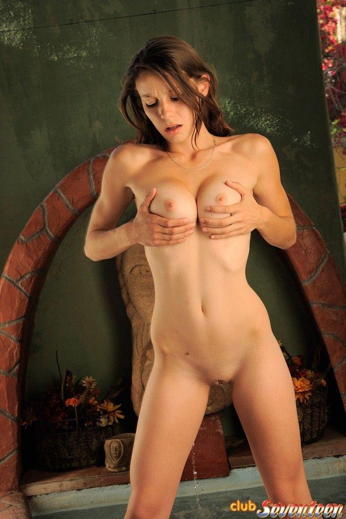 赤裸裸的 Hotties-39