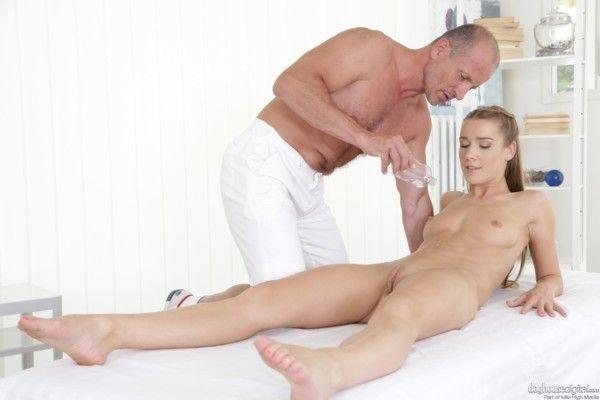与金发女郎 8 的性爱照片