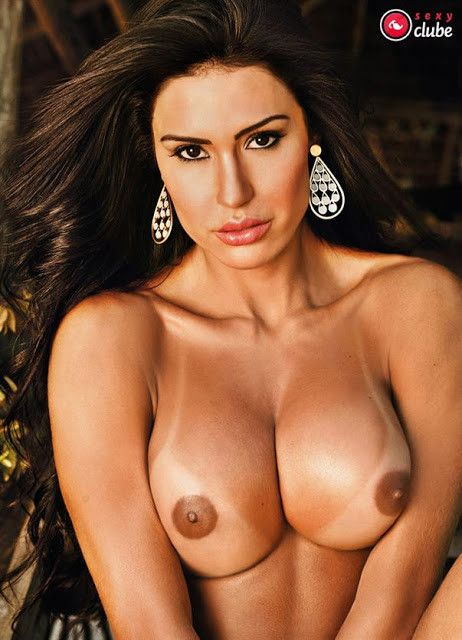 Gracyanne-Barbosa-Naked-in-Magazine-Sexy-11