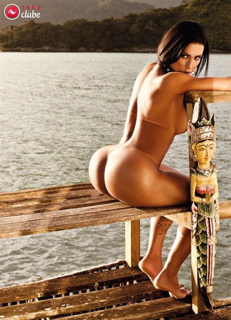 Gracyanne-Barbosa-Naked-in-Magazine-Sexy-19
