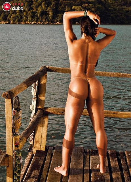 Gracyanne-Barbosa-Naked-in-Magazine-Sexy-20