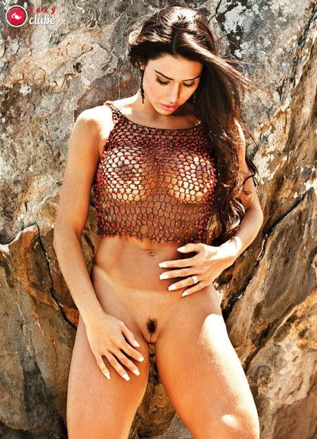 Gracyanne-Barbosa-Naked-in-Magazine-Sexy-25