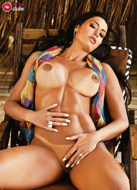 Gracyanne-Barbosa-Naked-in-Magazine-Sexy-28
