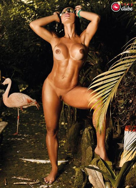 Gracyanne-Barbosa-Naked-in-Magazine-Sexy-34