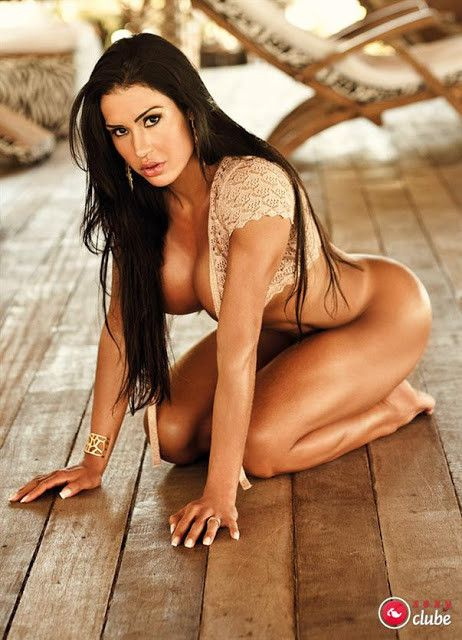 Gracyanne-Barbosa-Naked-in-Magazine-Sexy-4