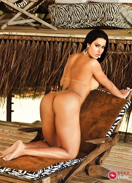 Gracyanne-Barbosa-Naked-in-Magazine-Sexy-5
