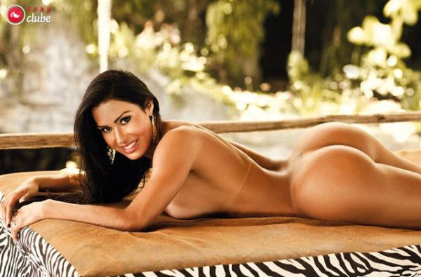 Gracyanne-Barbosa-Naked-in-Magazine-Sexy-8