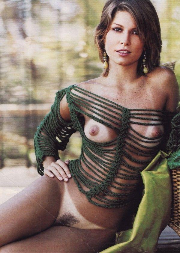Barbara-Borges-Naked-Pelada-in-Revista-Playboy-10