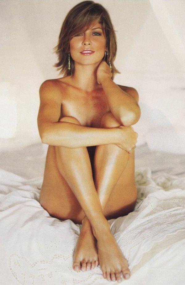Barbara-Borges-Naked-Pelada-in-Revista-Playboy-15