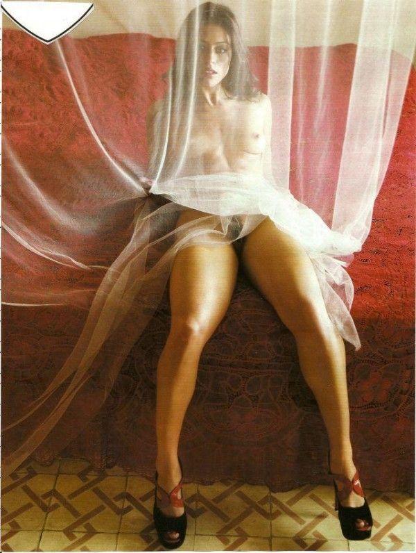 Carol-Castro-Nua-Pelada-Revista-Playboy-18