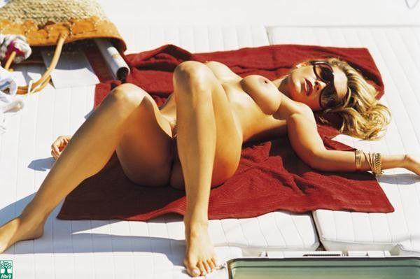 Flavia-Alessandra-Nua-Pelada-Revista-Playboy-10