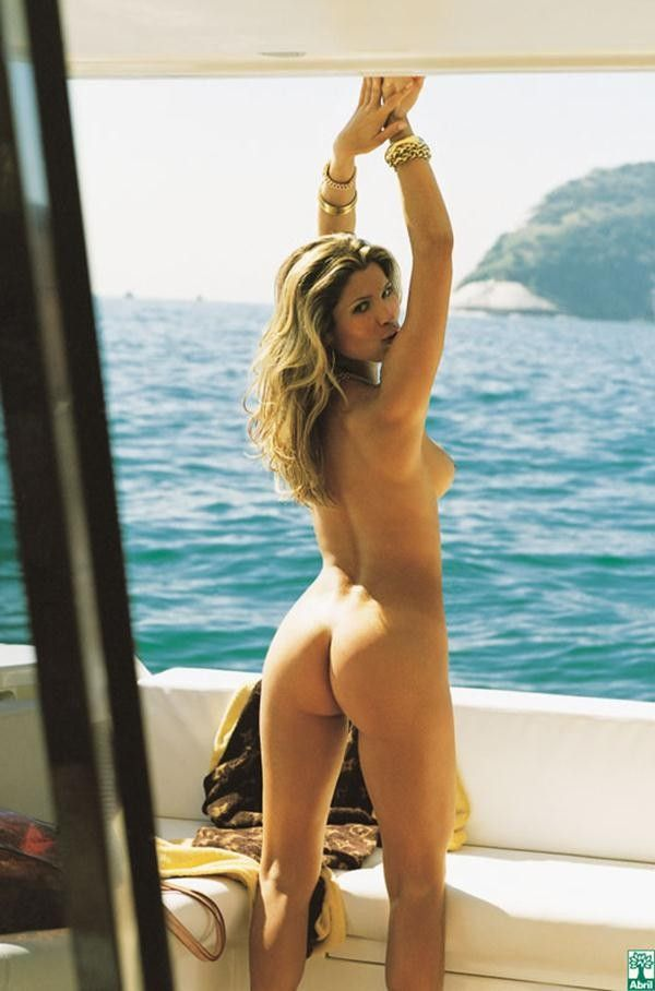 Flavia-Alessandra-Nua-Pelada-Revista-Playboy-15