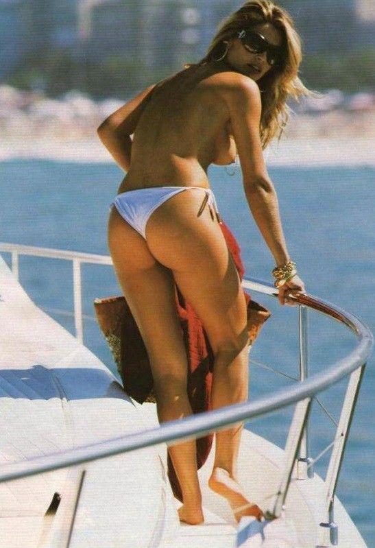 Flavia-Alessandra-Nua-Pelada-Revista-Playboy-2