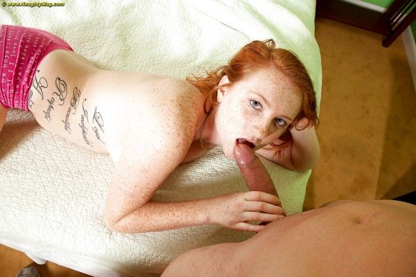 Redhead-giving-a-pussy-sex-pics-10