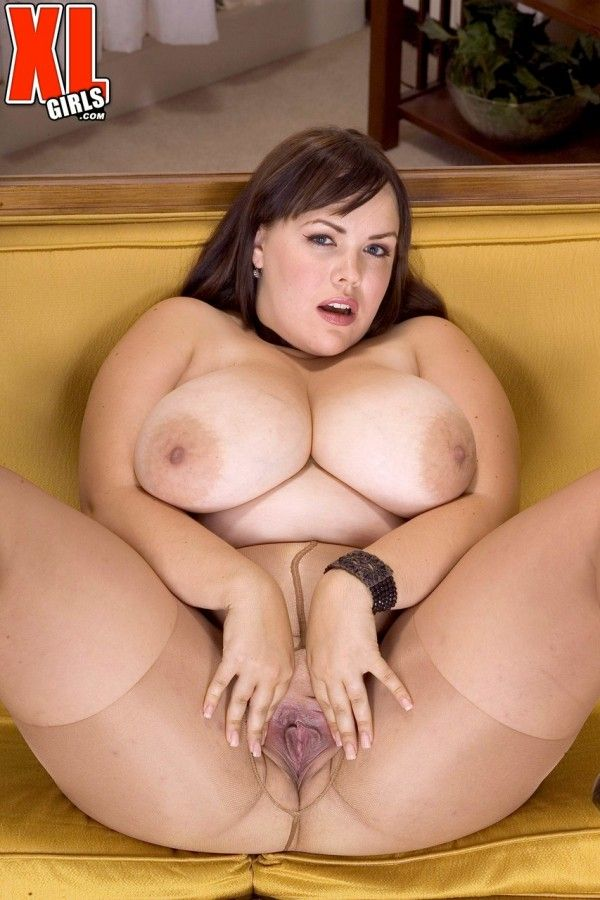 Chubby-Naked-10