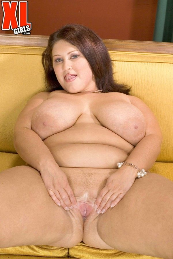 Chubby-Naked-21
