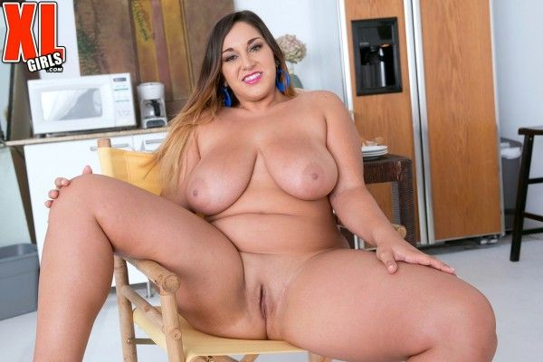 Chubby-Naked-8