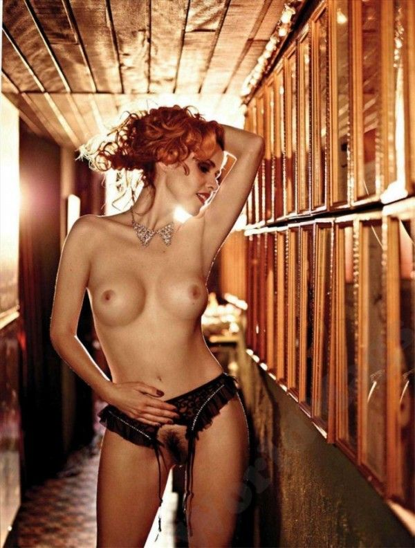 Leona-Cavalli-Naked-in-Revista-Playboy-11