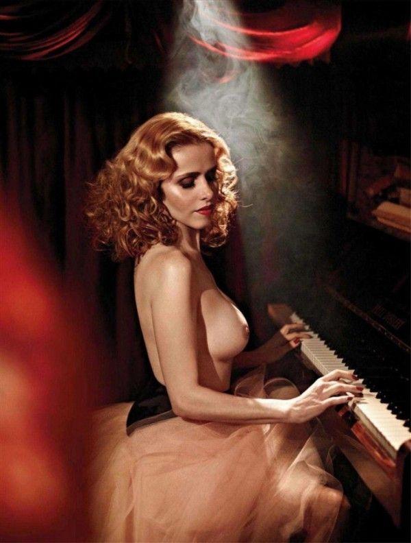 Leona-Cavalli-Naked-in-Revista-Playboy-13