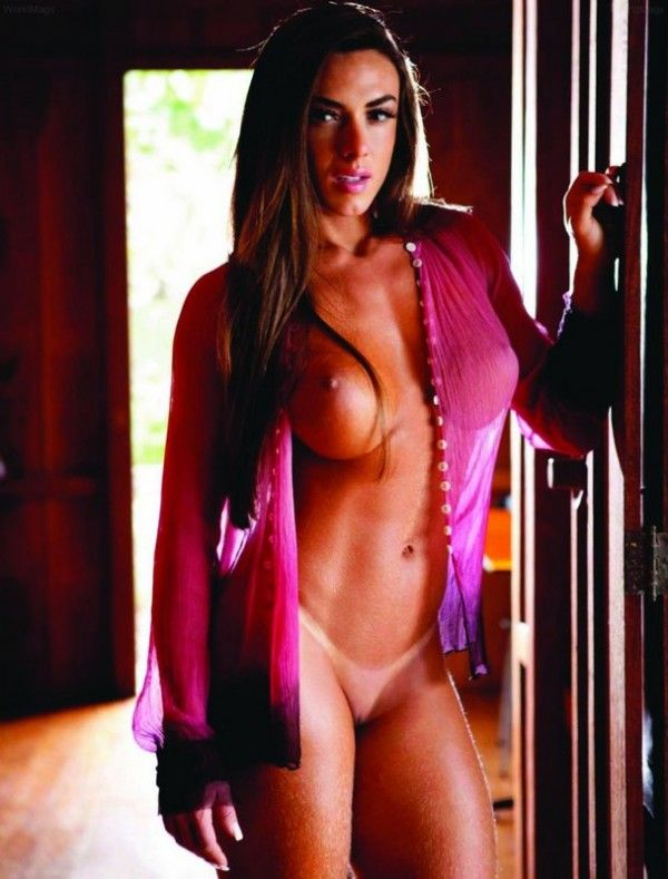 Nicole-Bahls-Nua-Pelada-Magazine-Playboy-7