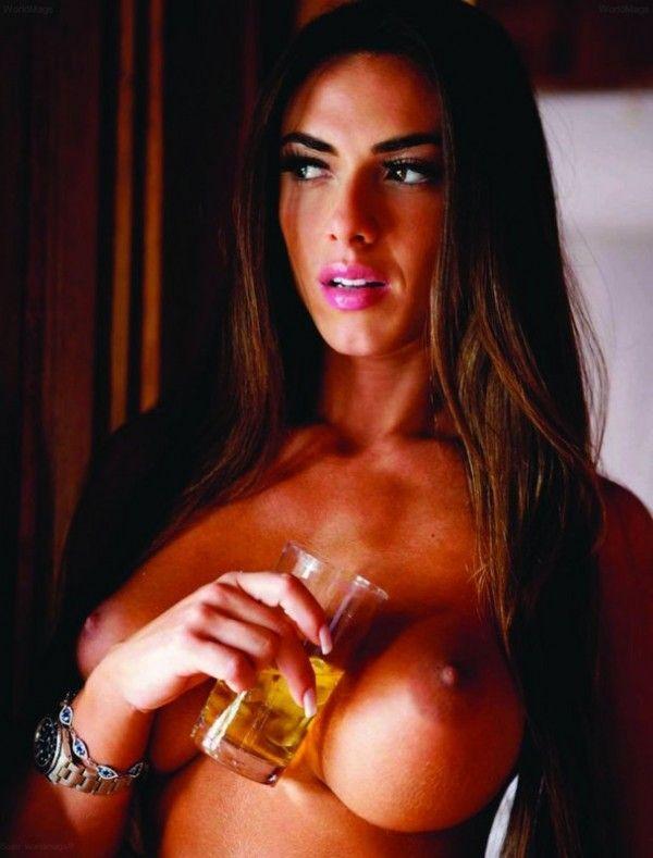 Nicole-Bahls-Nua-Pelada-Magazine-Playboy-9