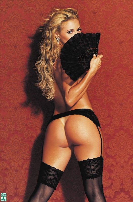 Rita-Guedes-Nua-Pelada-na-Revista-Playboy-16