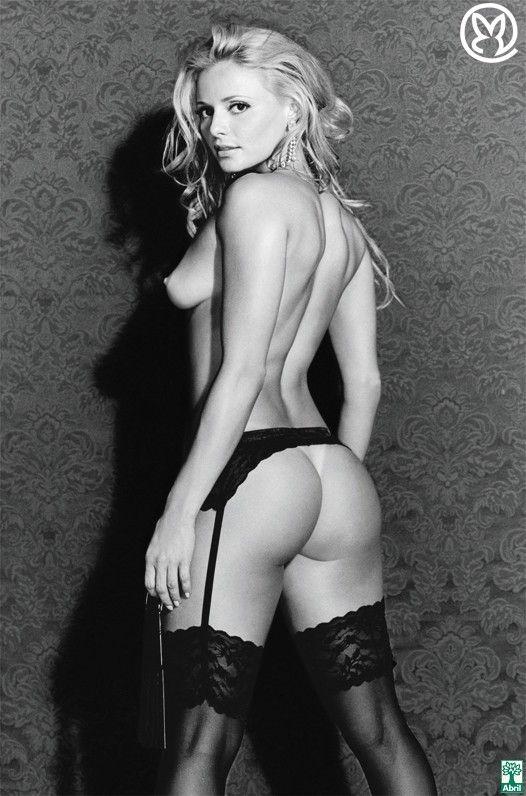 Rita-Guedes-Nua-Pelada-na-Revista-Playboy-18