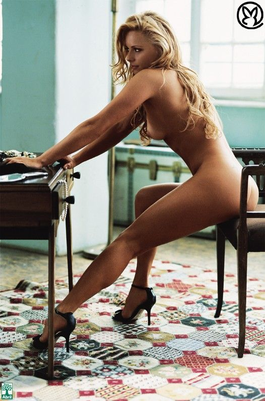 Rita-Guedes-Nua-Pelada-na-Revista-Playboy-20