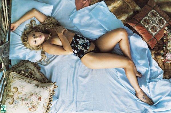 Rita-Guedes-Nua-Pelada-na-Revista-Playboy-28