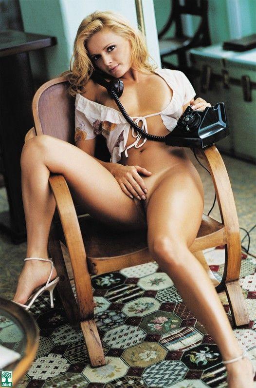 Rita-Guedes-Nua-Pelada-na-Revista-Playboy-7