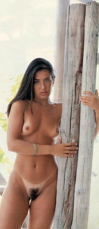 Scheila-Oak-Nua-Pelada-na-Revista-Playboy-13