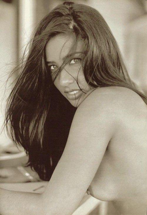 Scheila-Oak-Nua-Pelada-na-Revista-Playboy-5