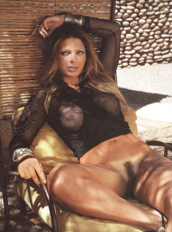 Sheila-Mello-Nua-Pelada-Revista-Sexy-19