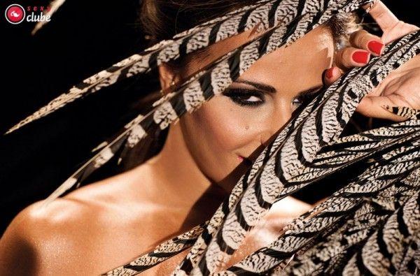 Viviane-Araujo-Nua-Pelada-Revista-Sexy-20