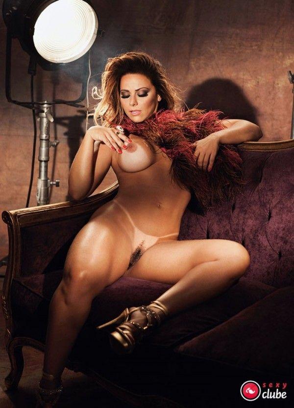 Viviane-Araujo-Nua-Pelada-Revista-Sexy-41