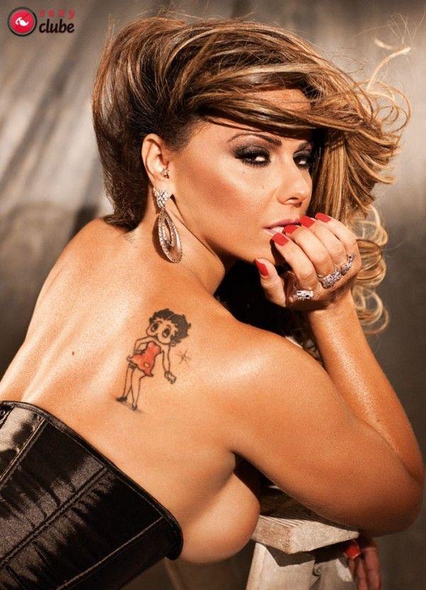 Viviane-Araujo-Nua-Pelada-Revista-Sexy-8