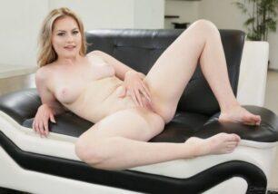 Fotos de mulher loira pelada