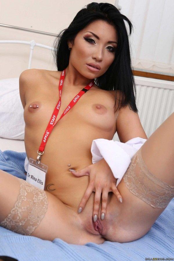 赤裸裸的亚洲女人-16