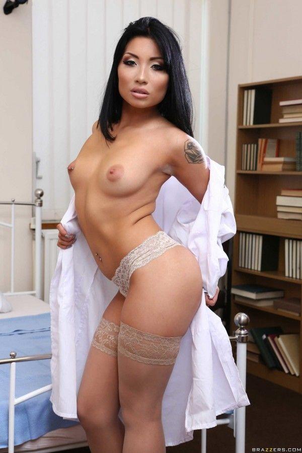 赤裸裸的亚洲女人-5
