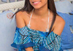 novinha-pelada-mostrando-a-bela-buceta-depilada-em-fotos-porno-1-306x214