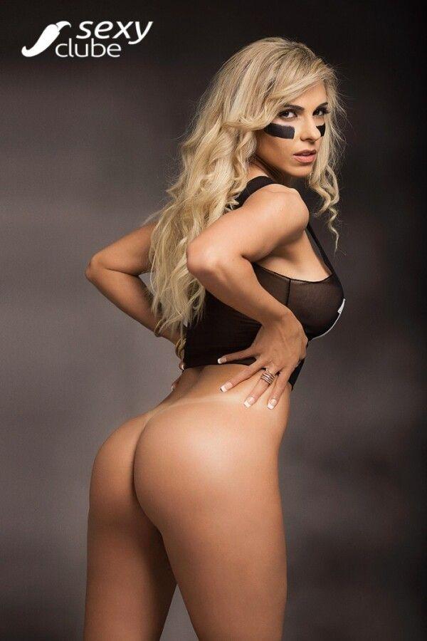 revista-sexy-com-fernanda-martinelli-nua-peladinha-em-um-belo-ensaio-sensual-11