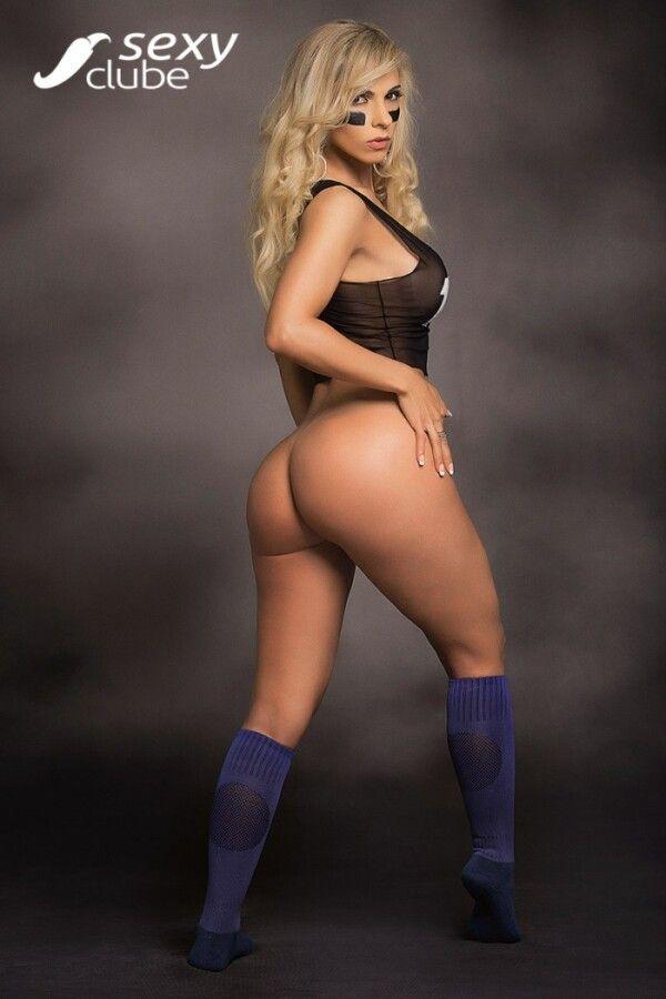 revista-sexy-com-fernanda-martinelli-nua-peladinha-em-um-belo-ensaio-sensual-13