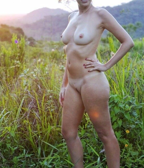 pussy-all-naked-on-the-beach-in-pics-porn-0