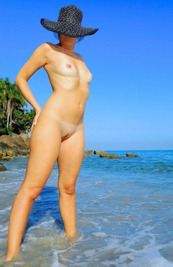 pussy-all-naked-on-the-beach-in-pics-porn-2