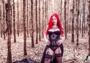 fotos-porn-incriveis-de-novinha-gostosa-sensualizando-em-um-bosque-0-306x214