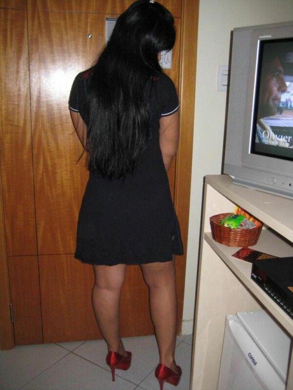 淘气美味裸体黑发显示她热猫9