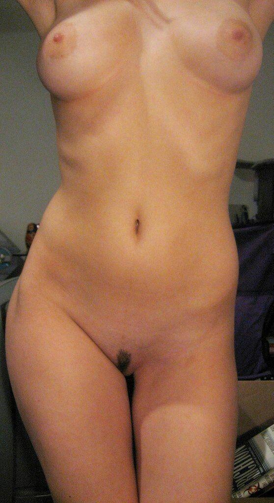 裸体女人与热猫与小毛给一个亮点11