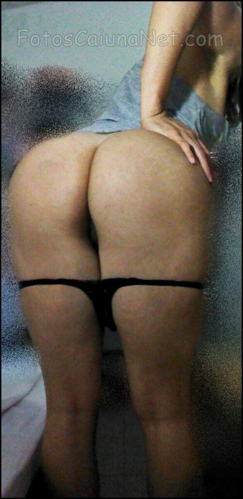 裸体女人展示她的热猫11-scaled