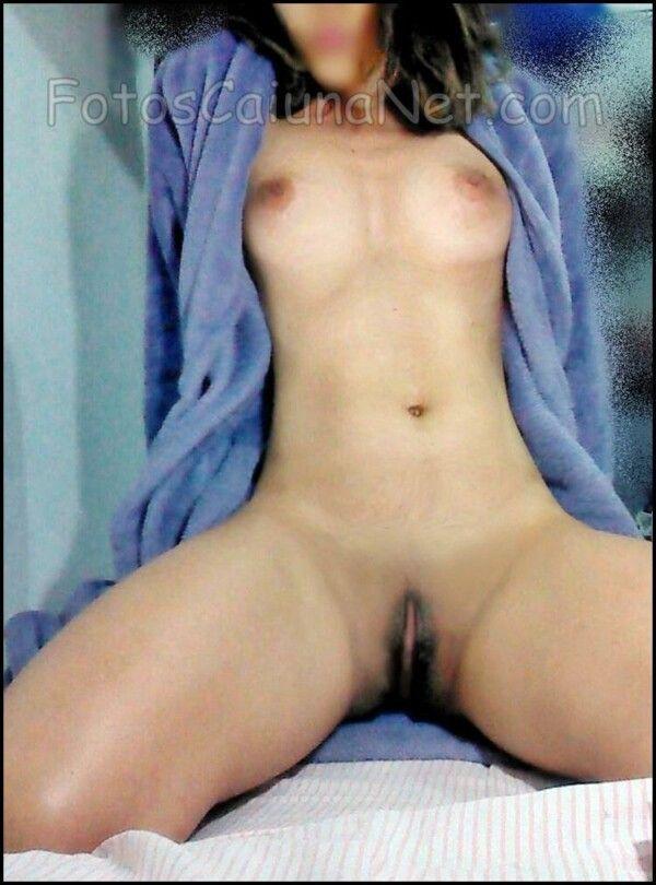 裸体女人展示她热猫19