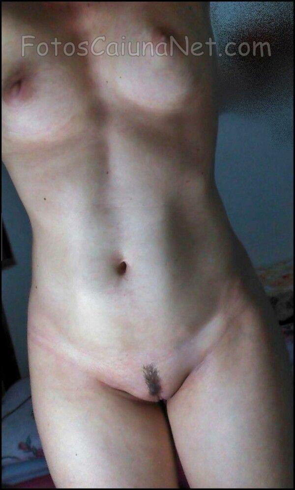 裸体女人展示她热猫5